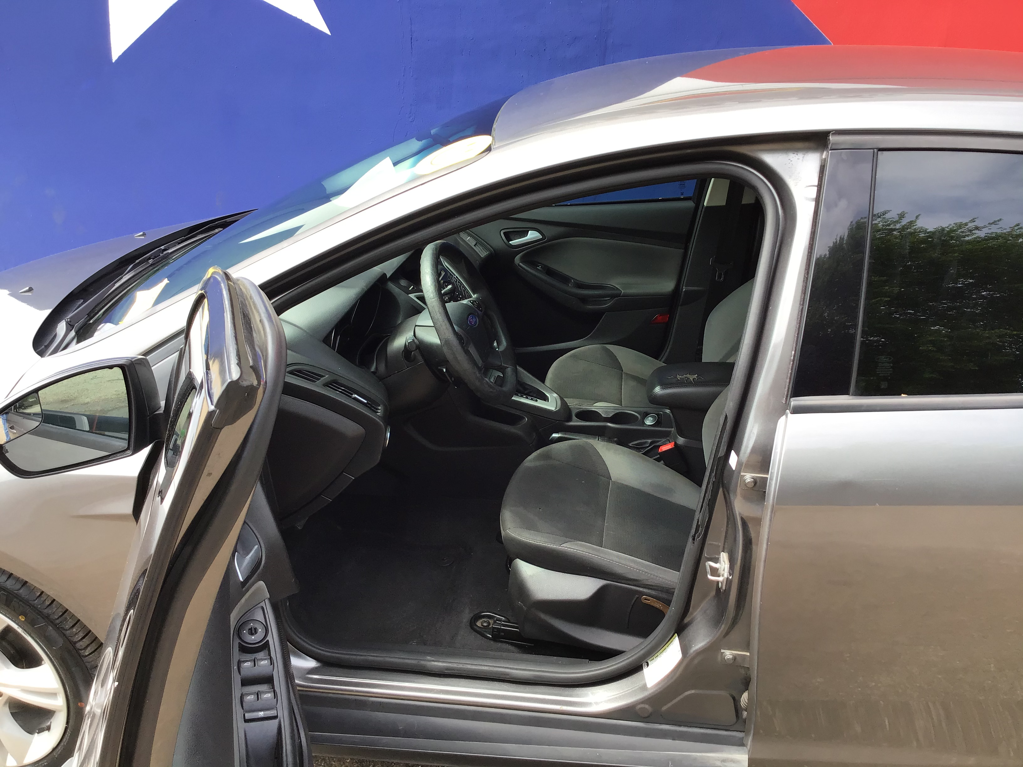 used vehicle - Sedan FORD FOCUS 2014