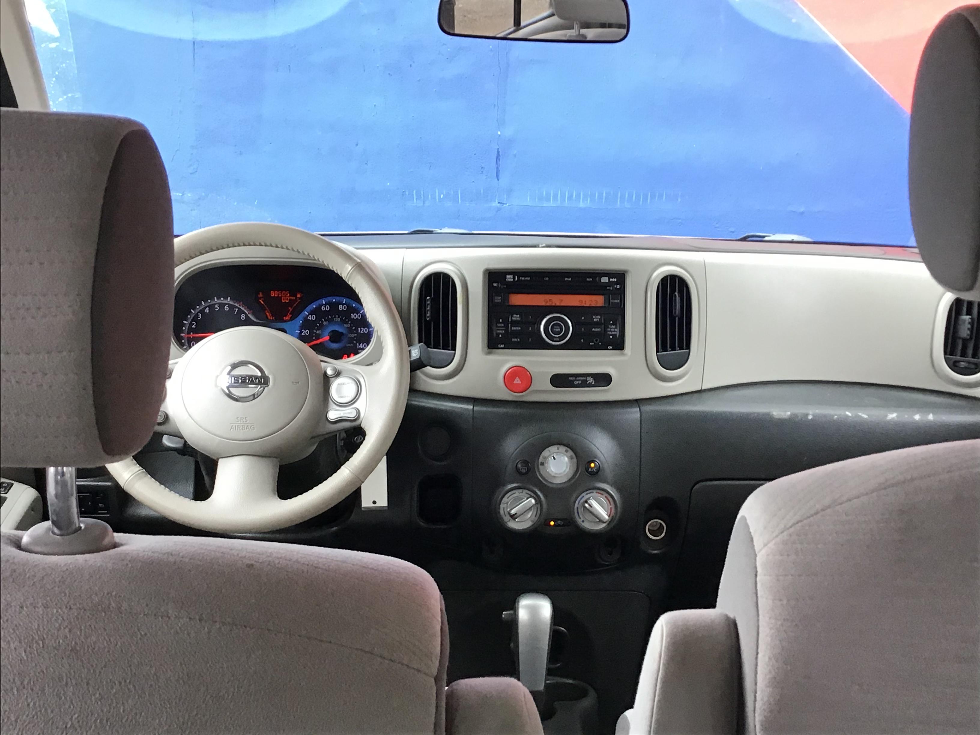 used vehicle - Sedan NISSAN CUBE 2014