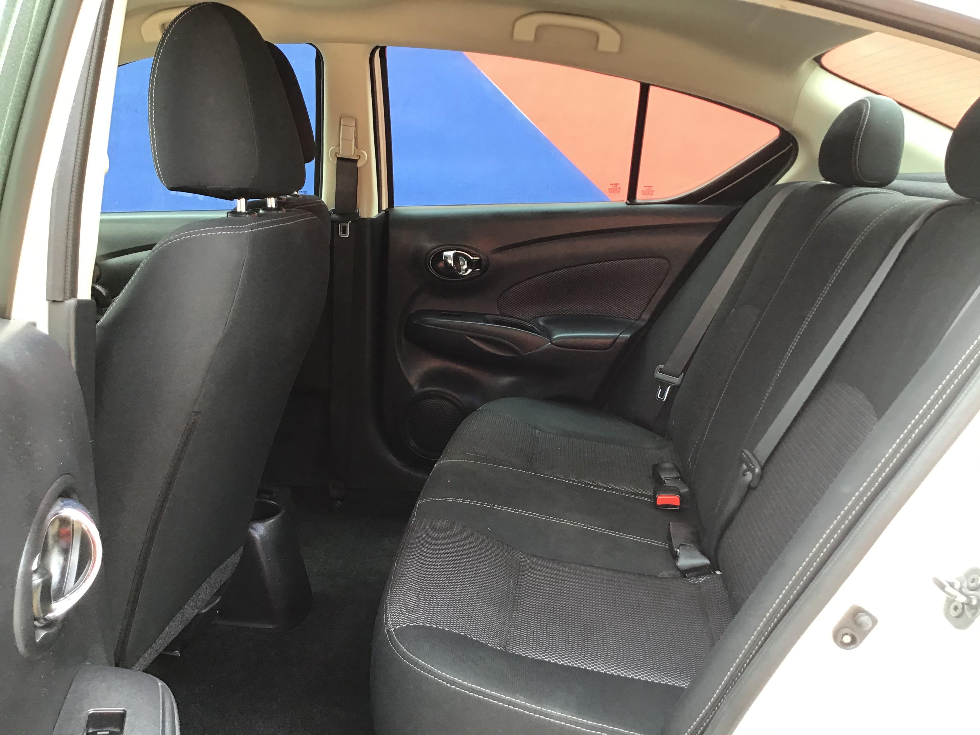used vehicle - Sedan NISSAN VERSA 2018