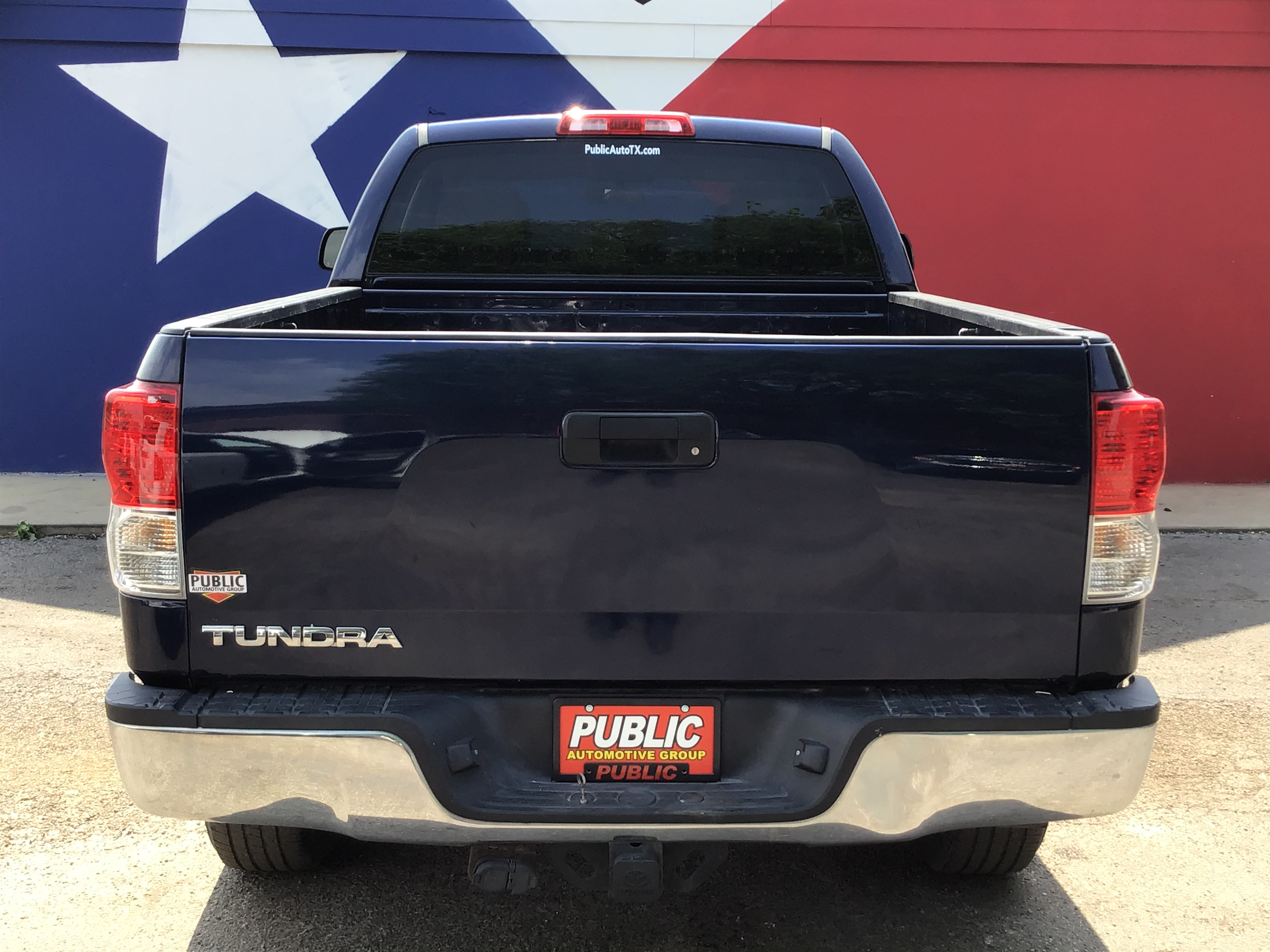 used vehicle - Truck TOYOTA TUNDRA 2WD 2010