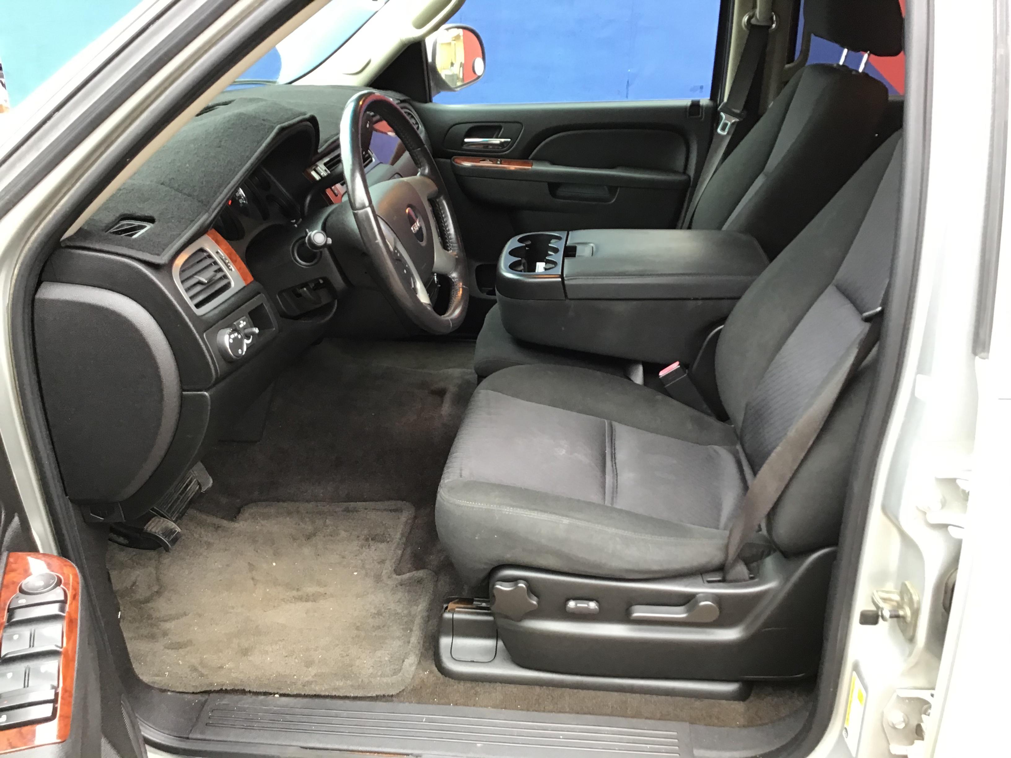 used vehicle - SUV GMC YUKON 2010