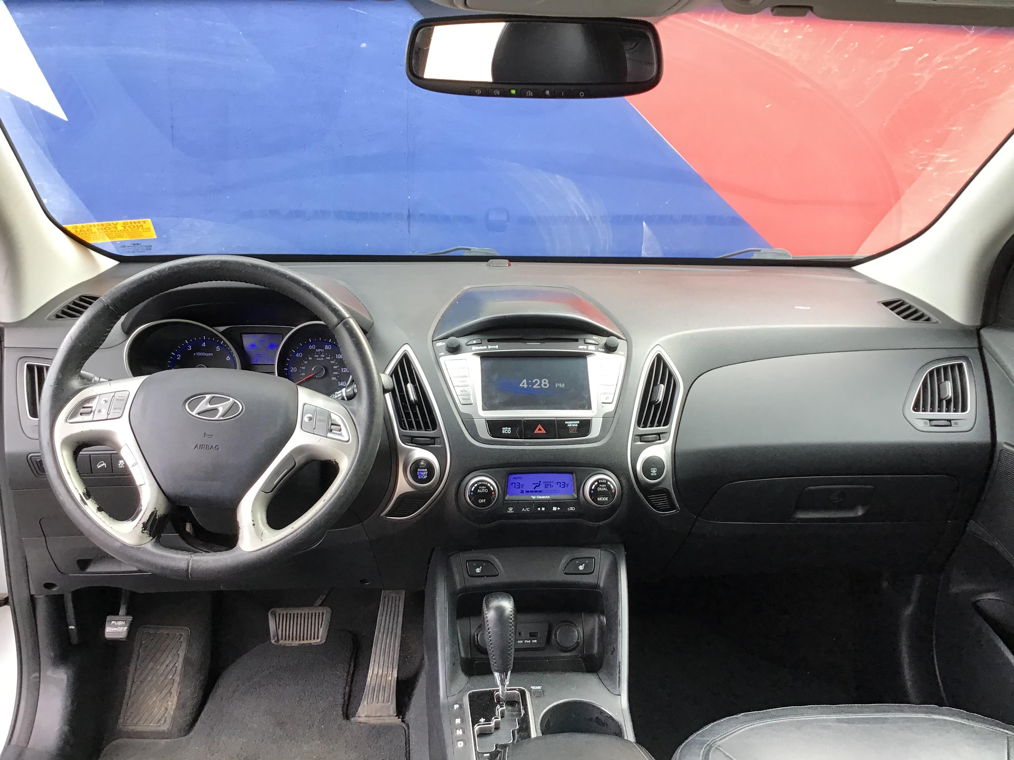 used vehicle - SUV HYUNDAI TUCSON 2013