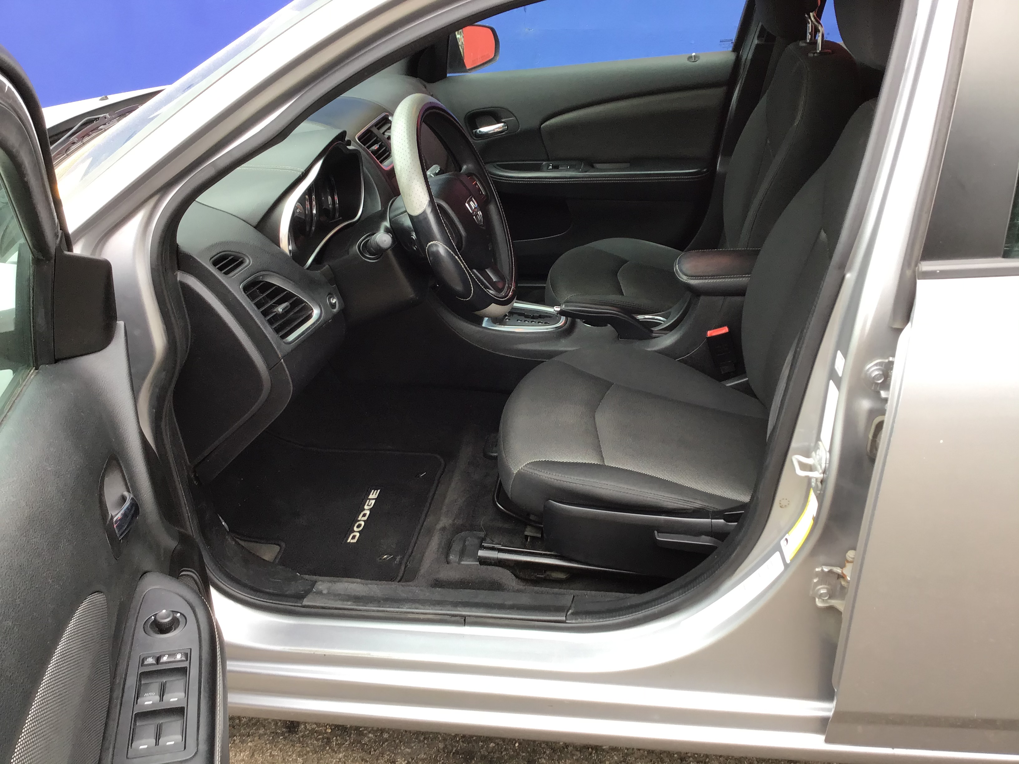 used vehicle - Sedan DODGE AVENGER 2014