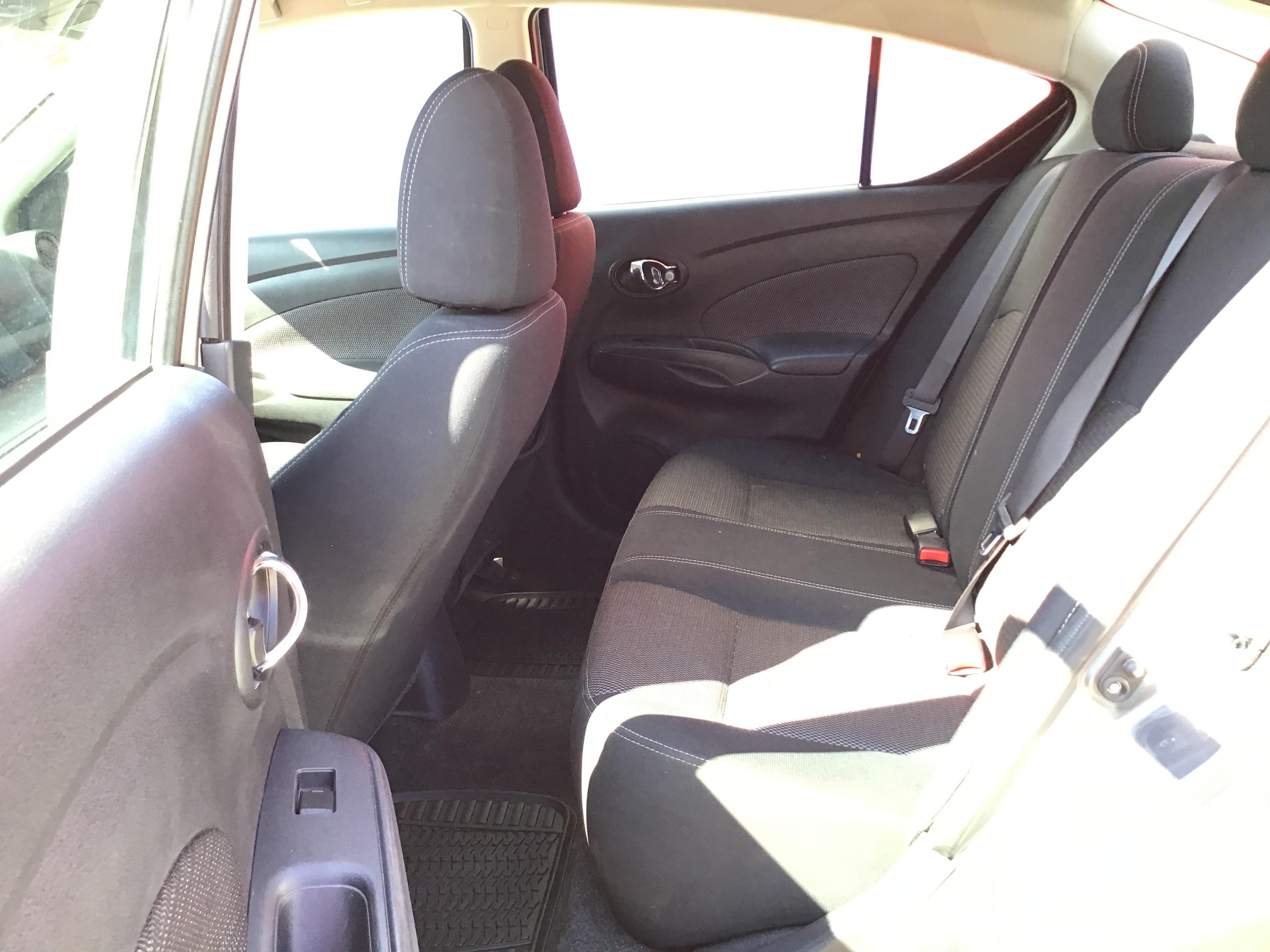 used vehicle - Sedan NISSAN VERSA 2016