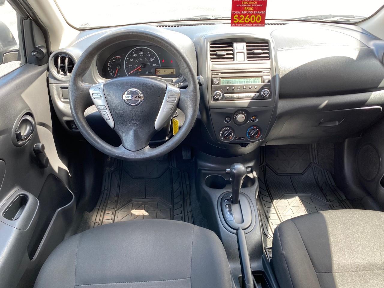 used vehicle - Sedan NISSAN VERSA 2015