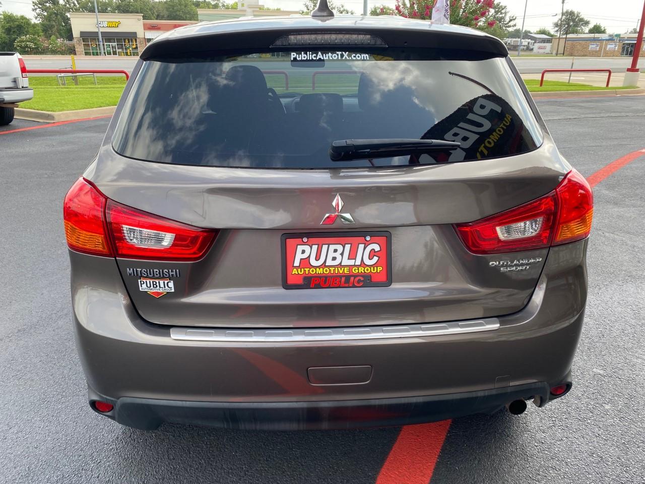 used vehicle - SUV MITSUBISHI OUTLANDER SPORT 2017