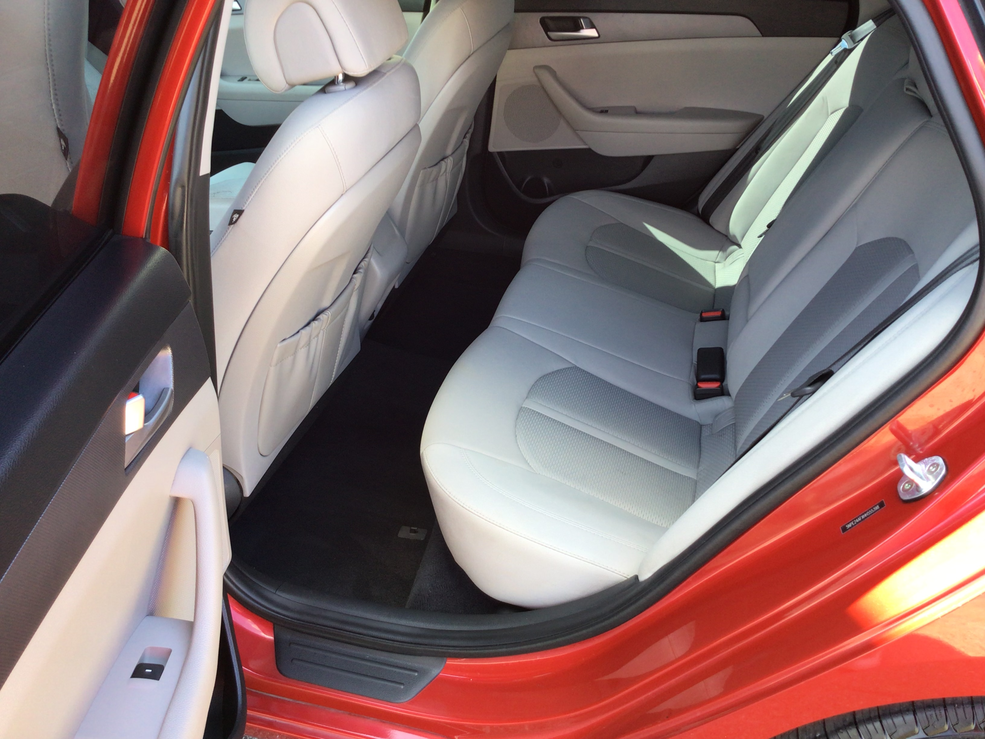 used vehicle - Sedan HYUNDAI SONATA 2017