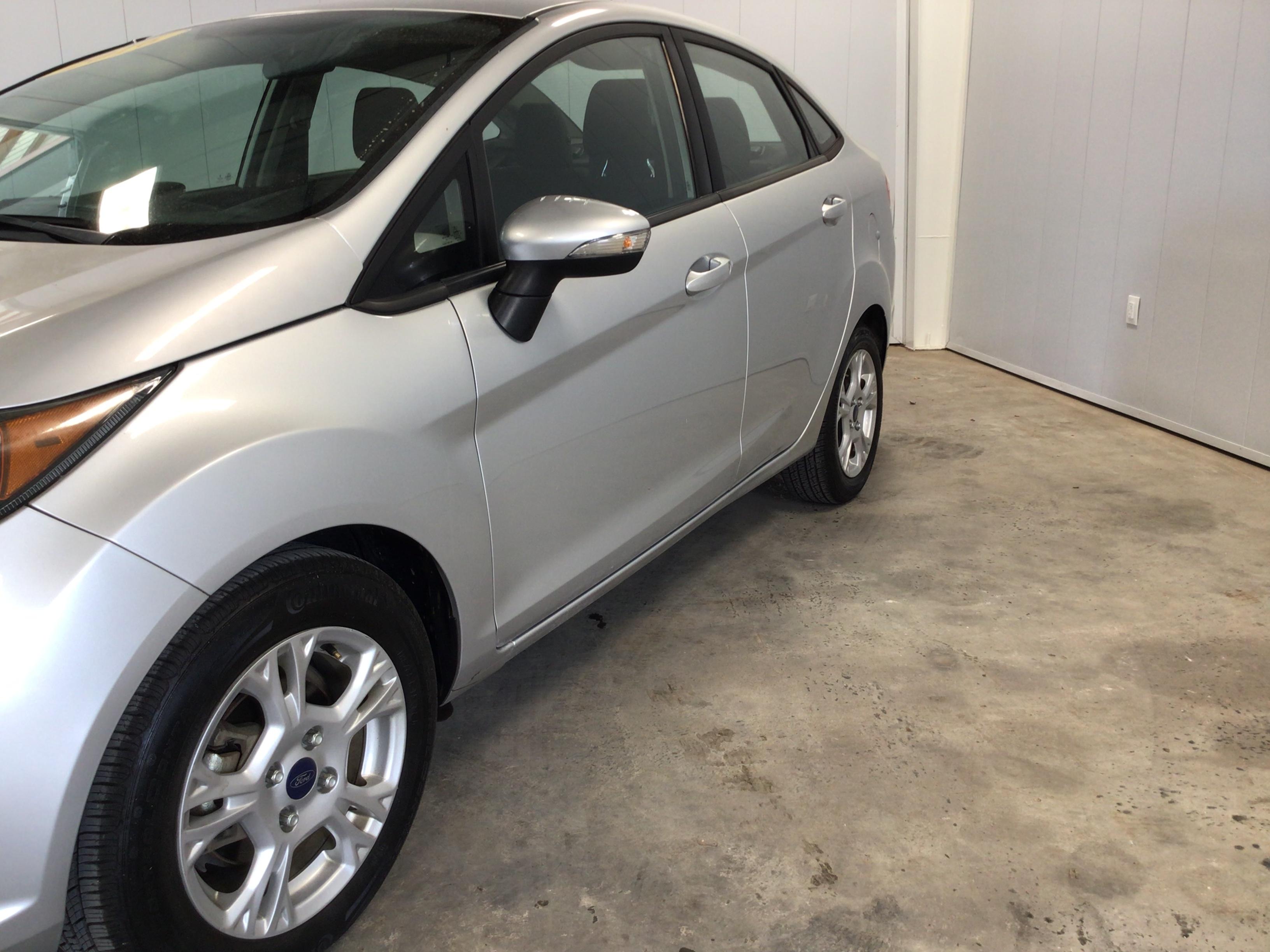 used vehicle - Sedan FORD FIESTA 2016