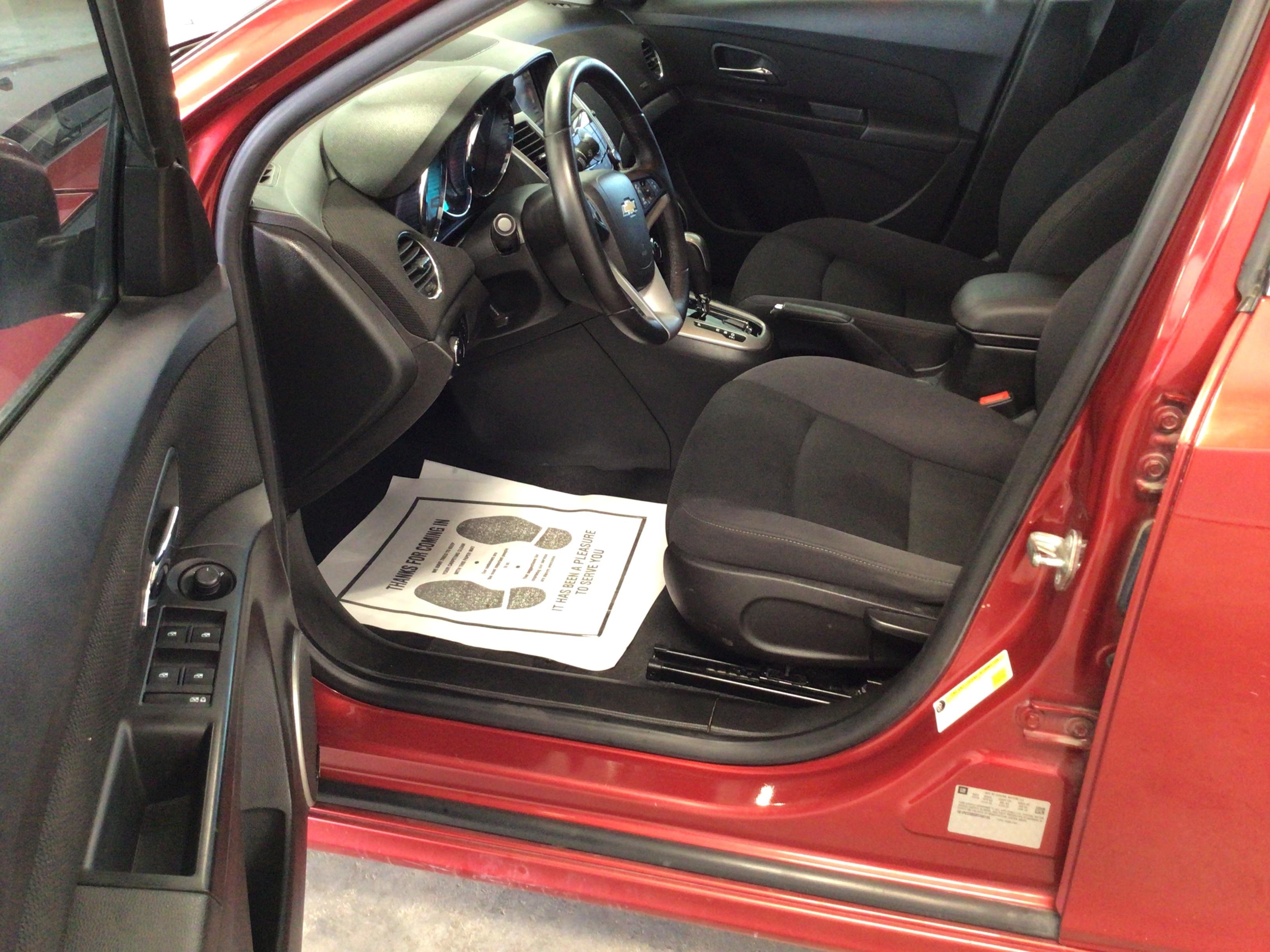 used vehicle - Sedan CHEVROLET CRUZE 2013