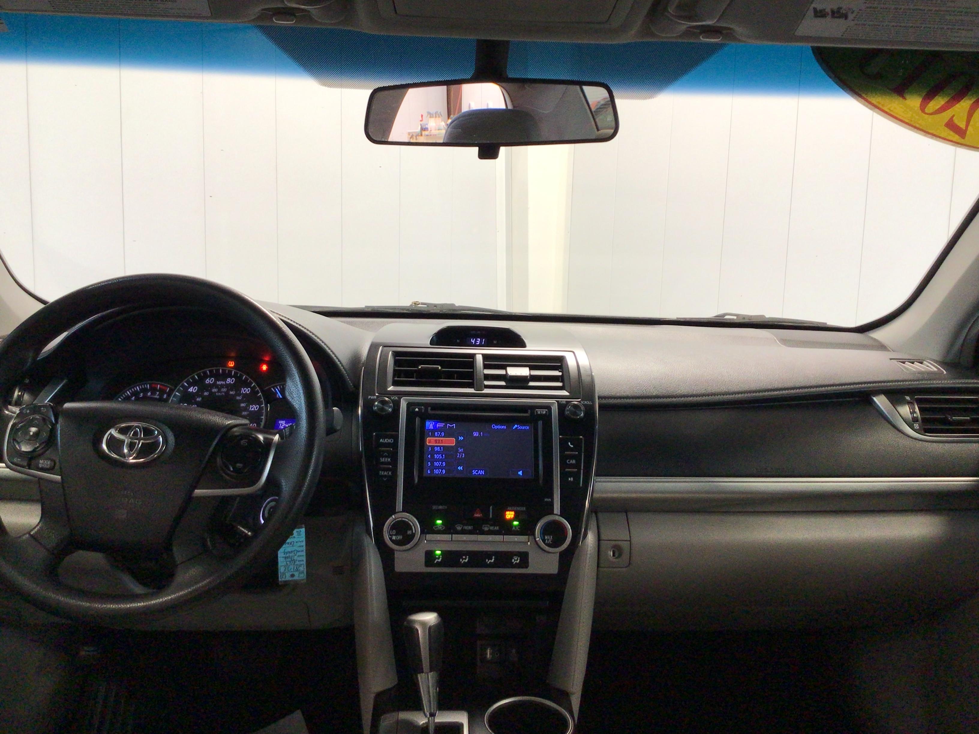 used vehicle - Sedan TOYOTA CAMRY 2013