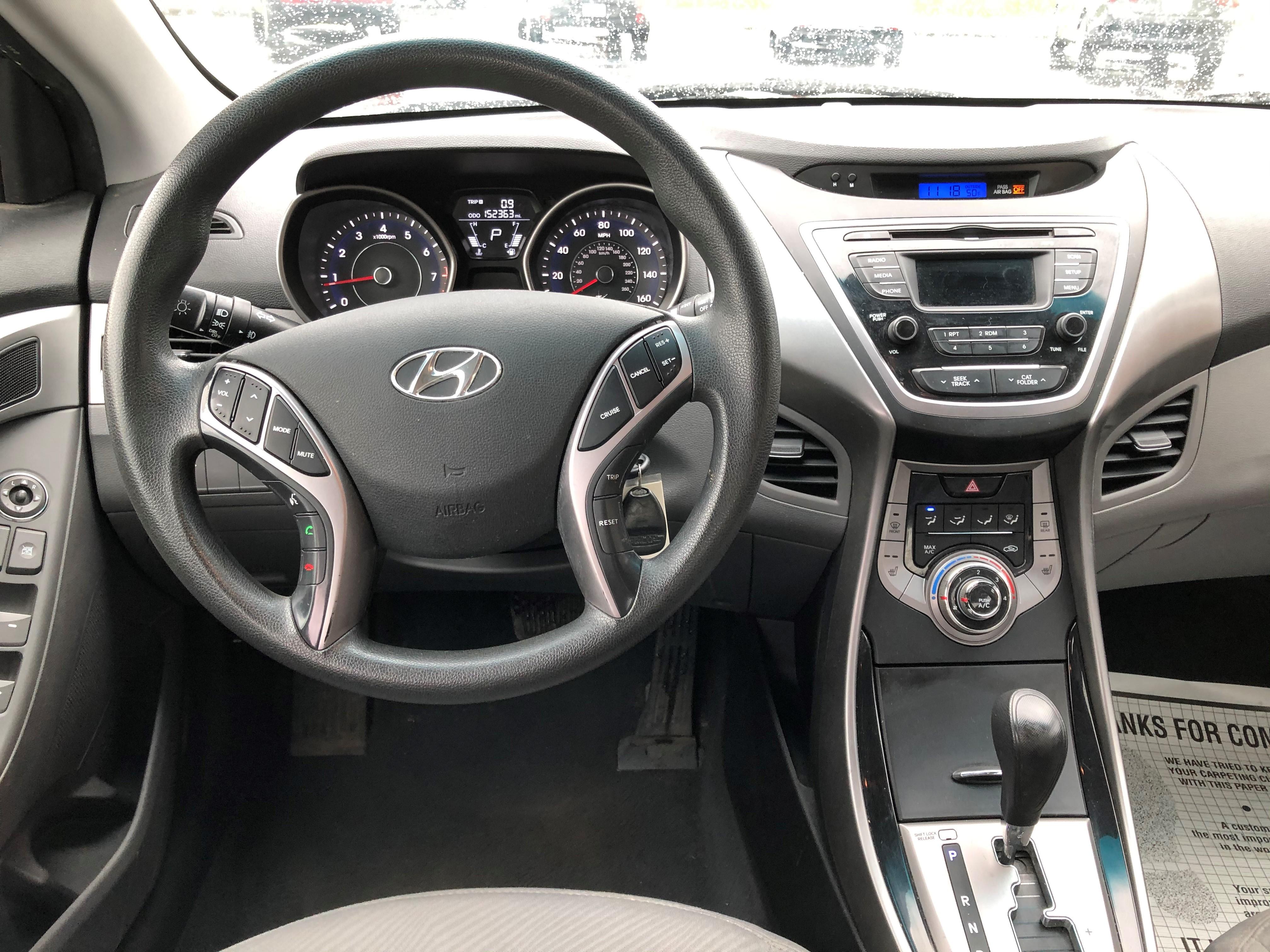 used vehicle - Sedan Hyundai Elantra 2013