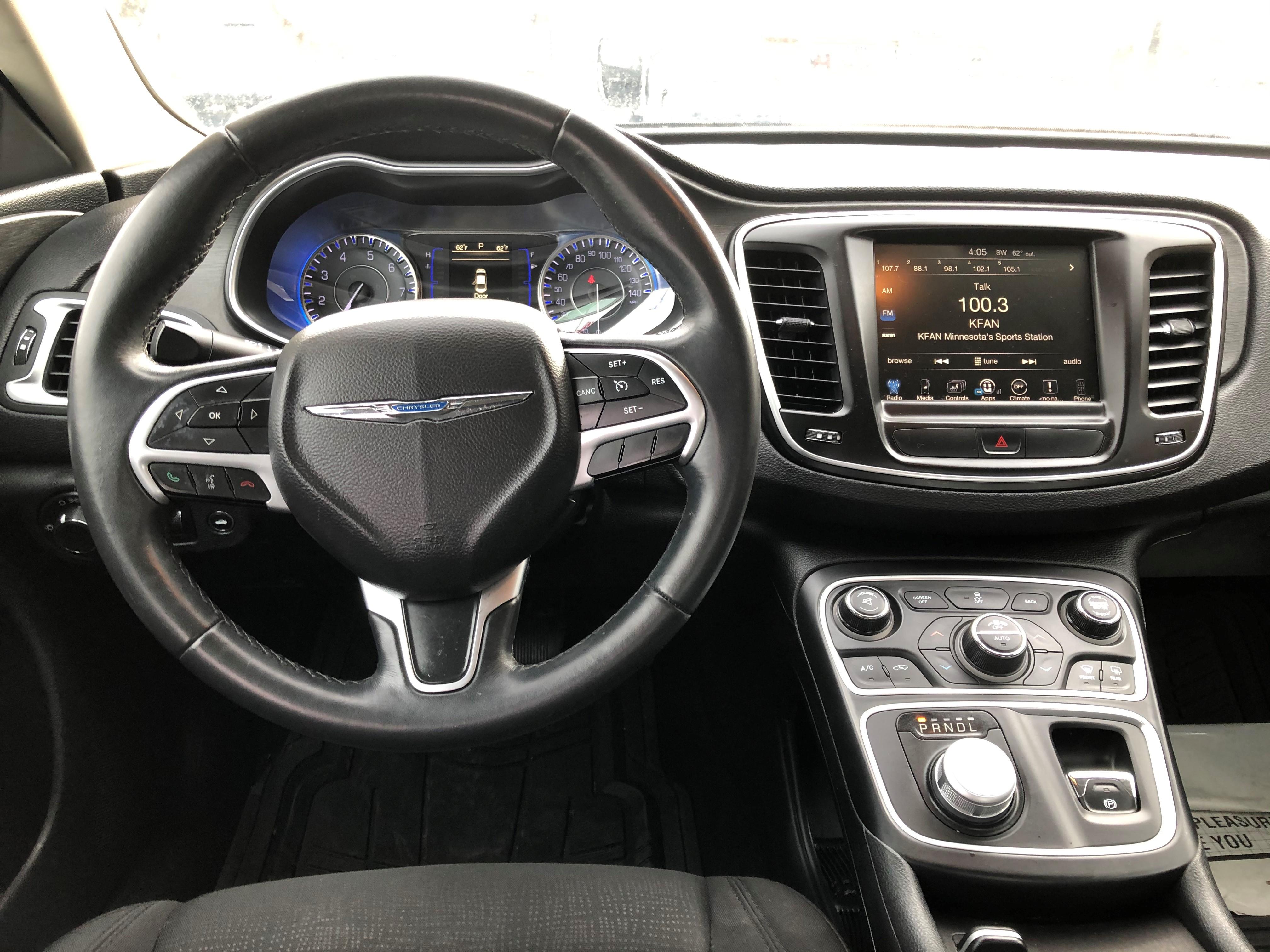 used vehicle - Sedan Chrysler 200 2016