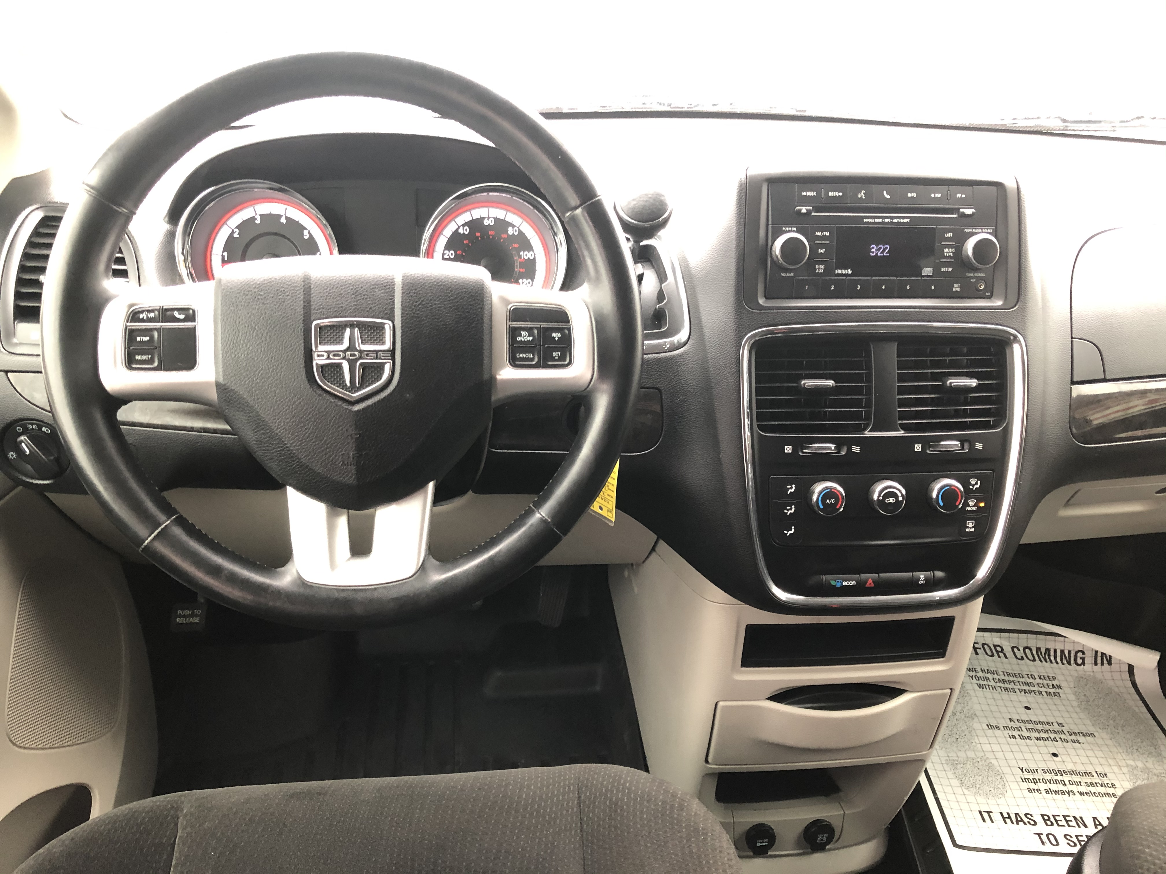 used vehicle - Passenger Van DODGE GRAND CARAVAN 2016
