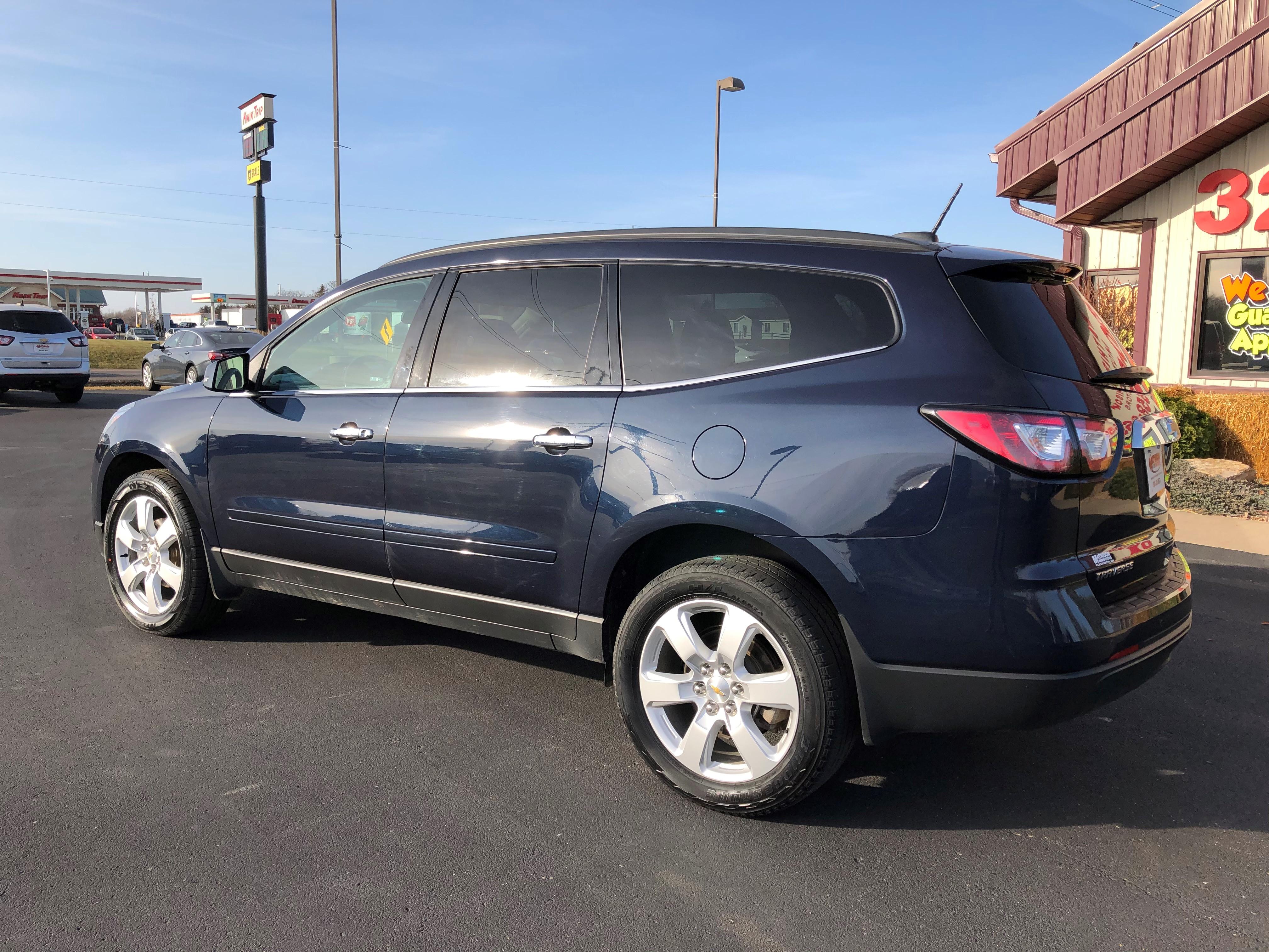 used vehicle - SUV CHEVROLET TRAVERSE 2017