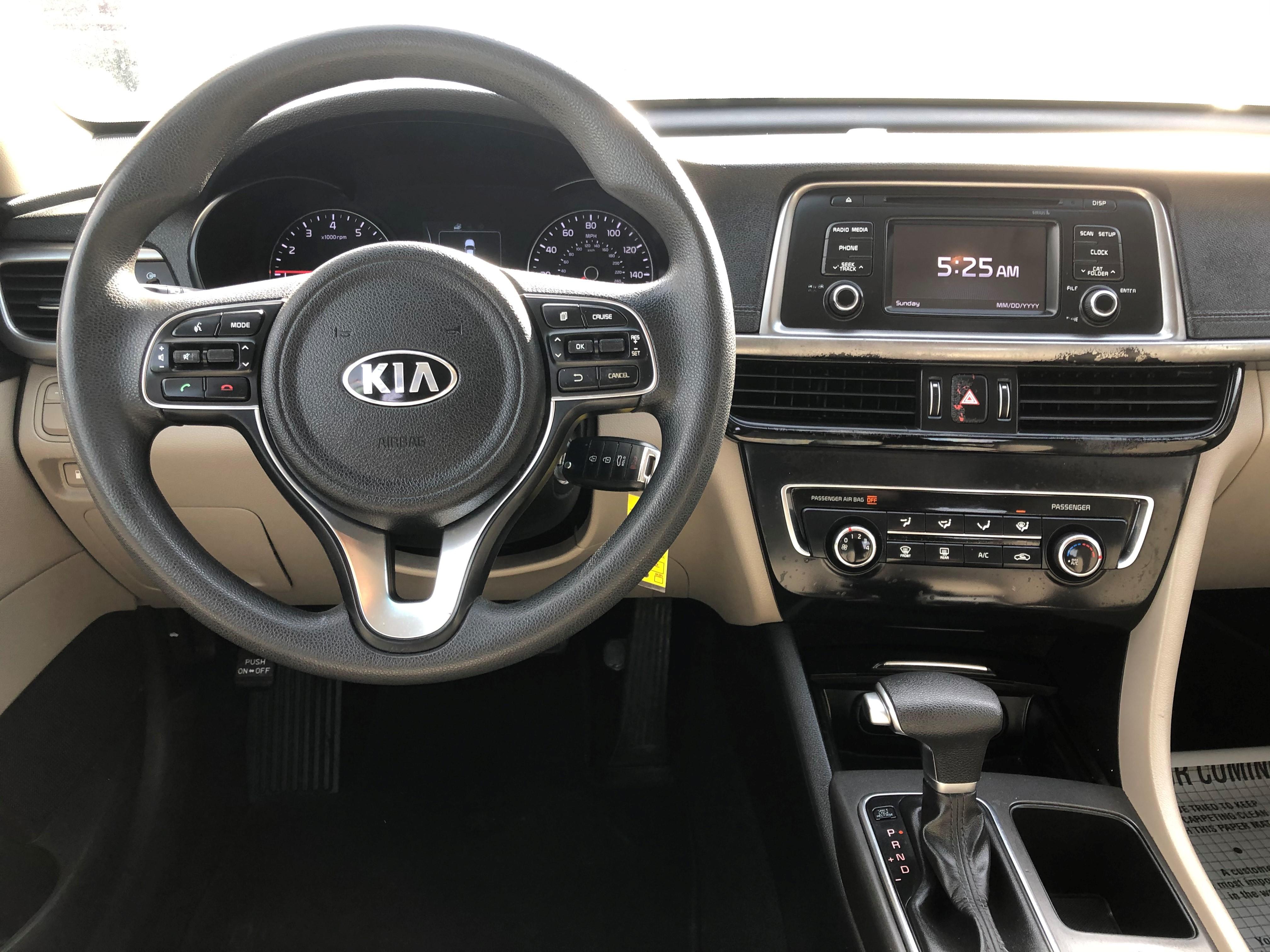 used vehicle - Sedan KIA OPTIMA 2016
