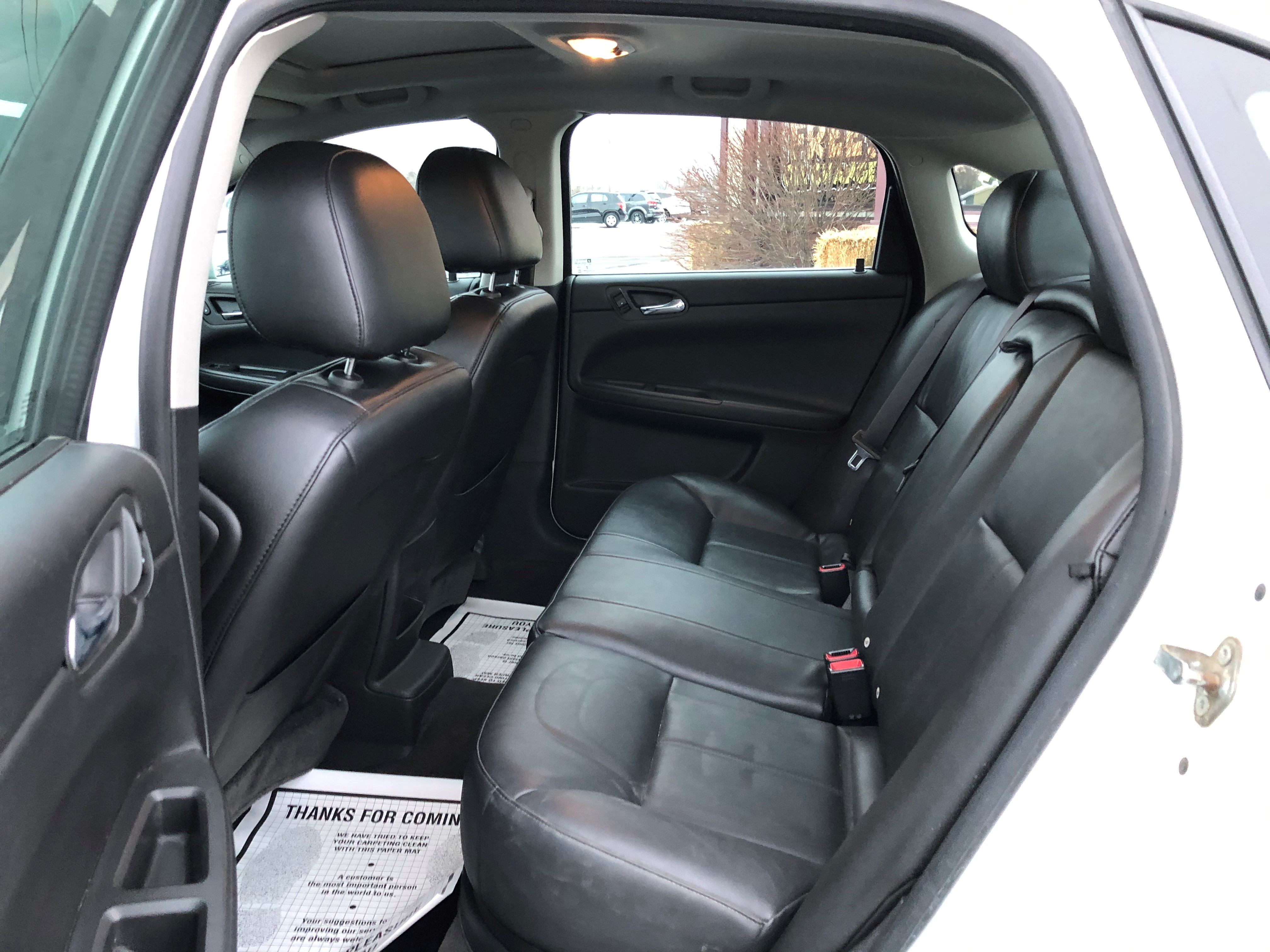 used vehicle - Sedan CHEVROLET IMPALA LIMITED 2015