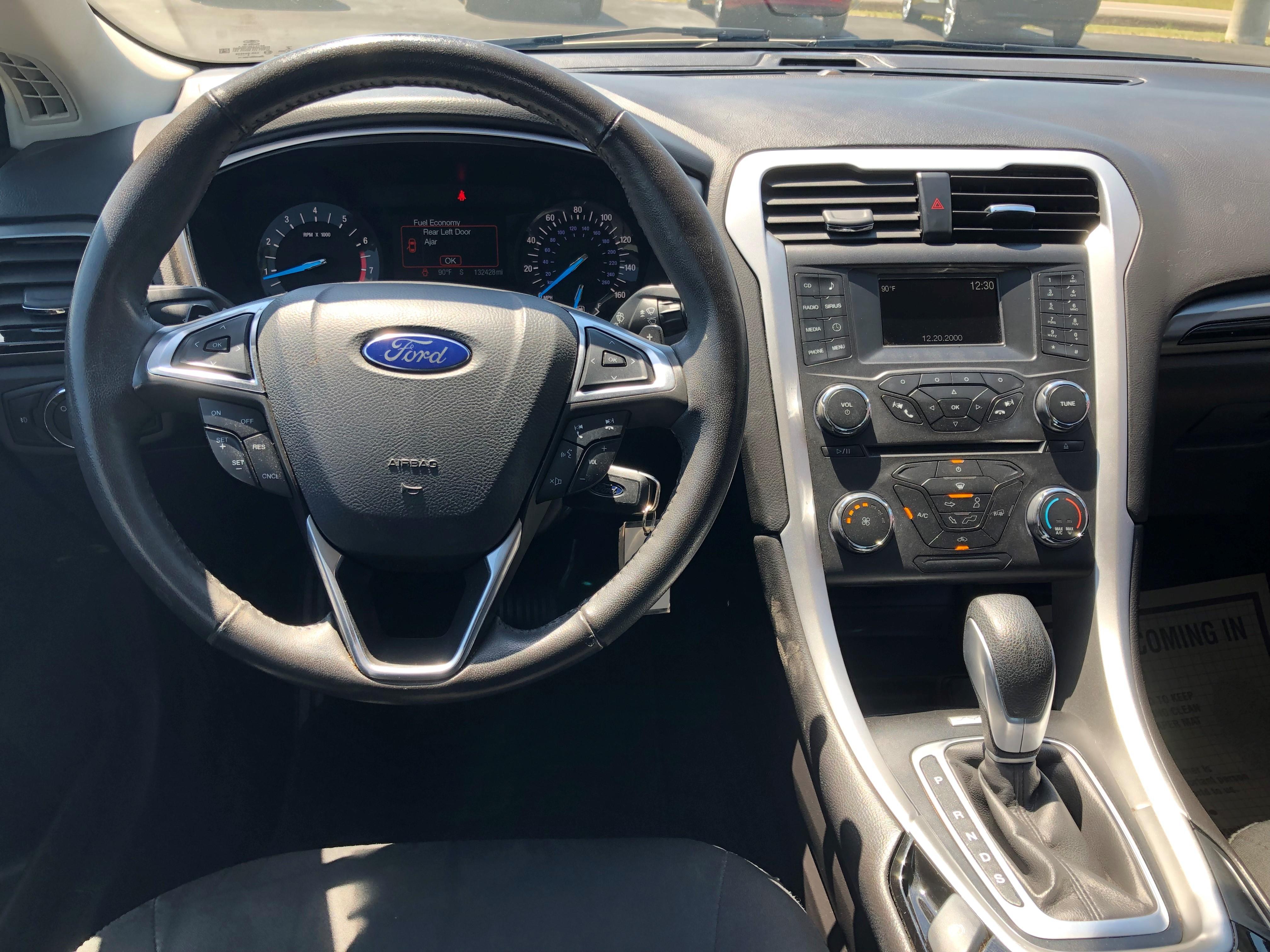 used vehicle - Sedan FORD FUSION 2016