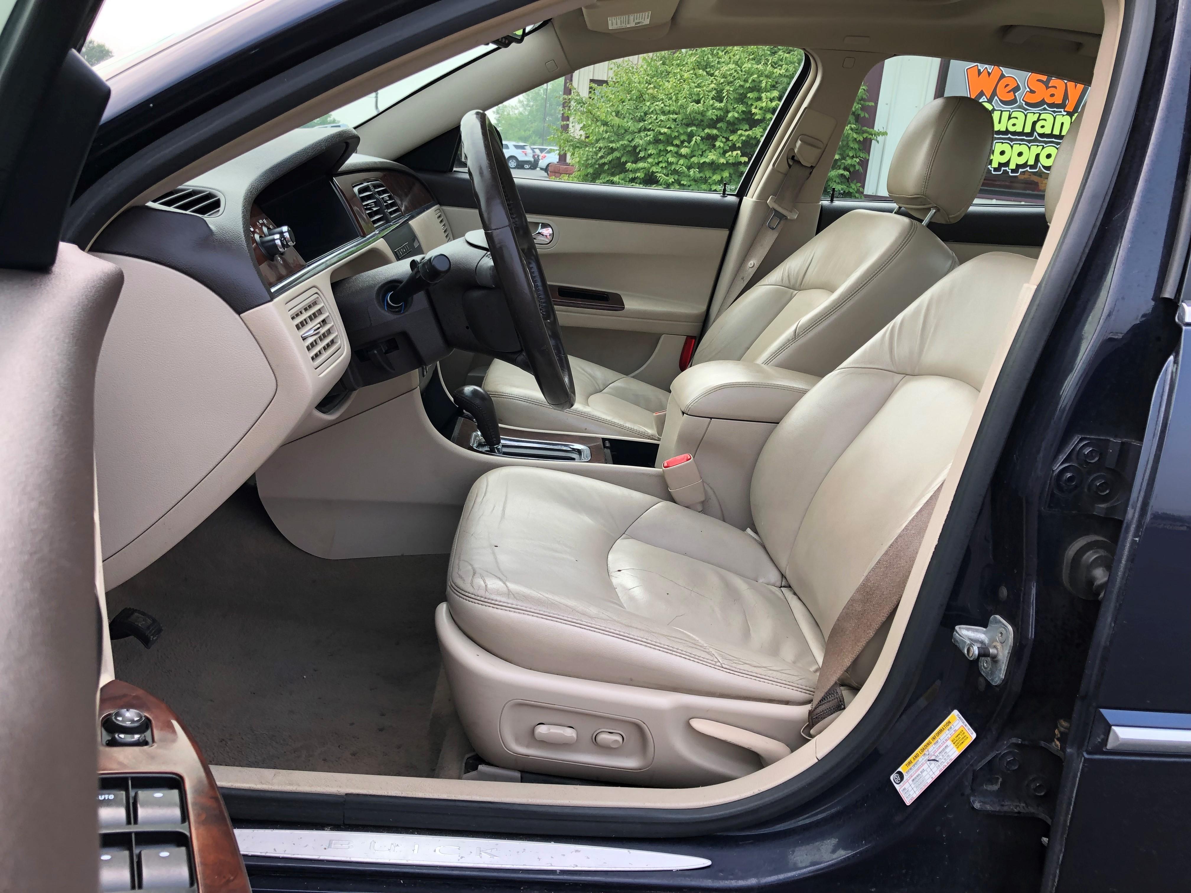 used vehicle - Sedan BUICK LACROSSE 2008
