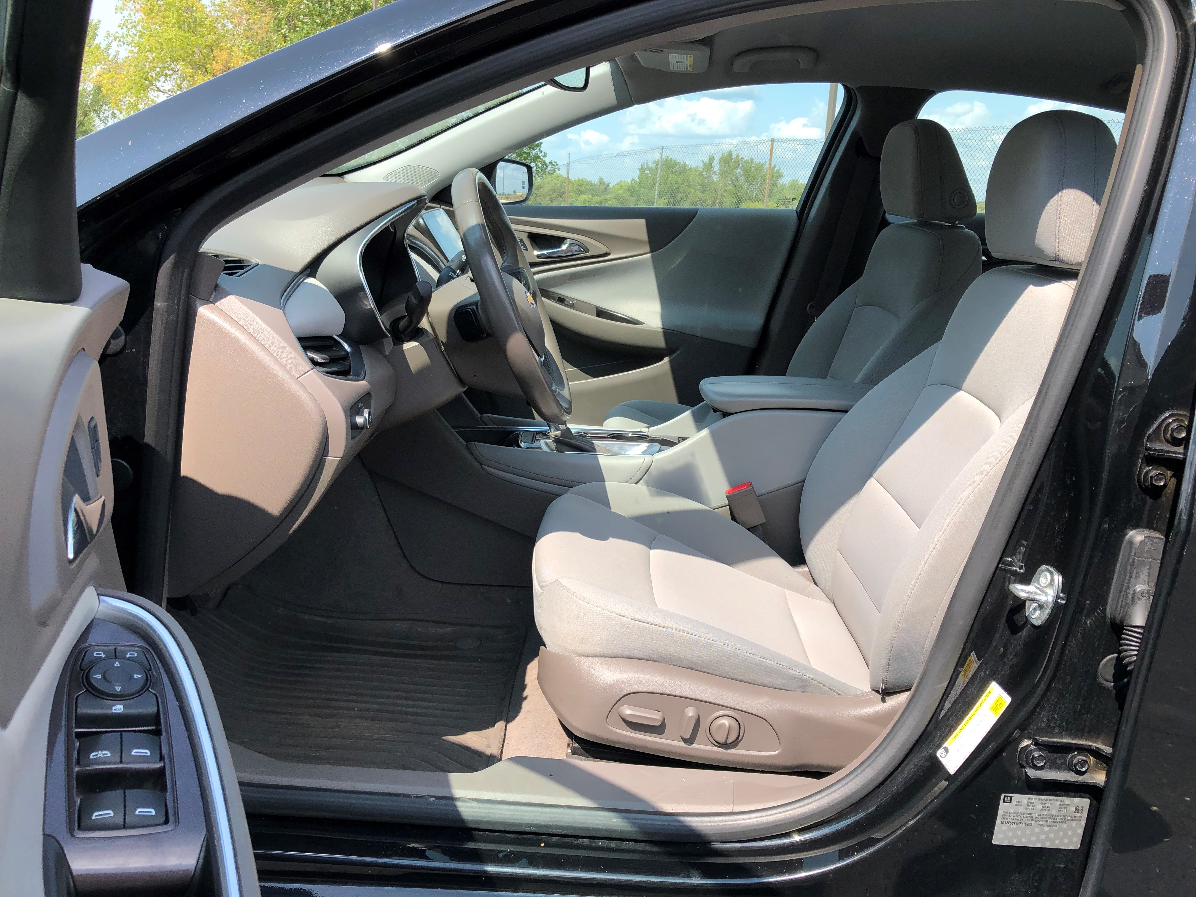 used vehicle - Sedan CHEVROLET MALIBU 2017