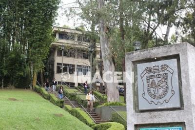Estudiantes de la UV exigen destitución de un docente