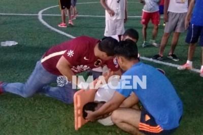 Muere Jugador en hospital tras estar en partido de Fútbol y sufrir convulsiones