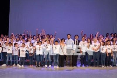 Presentan coro monumental