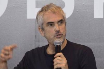 Debuta Alfonso Cuarón en Twitter con mensaje de apoyo para México