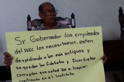 Empleados del IVEC se manifestaron contra los despidos