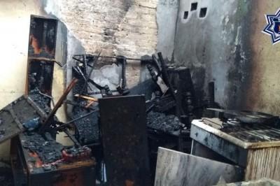 Salvan a dos niños de morir quemados en Loma Bonita