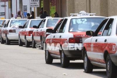 Gobierno debe apoyar a taxistas y no criminalizarlos: regidor