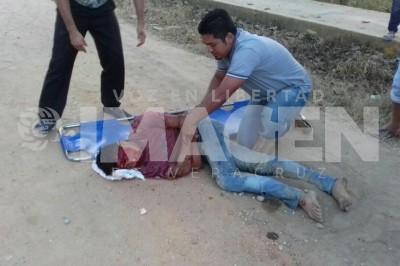 Joven resulta gravemente herido al derrapar en su moto