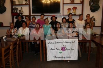 En exclusiva:Club de Escritoras sesionan en Plazo Mocambo