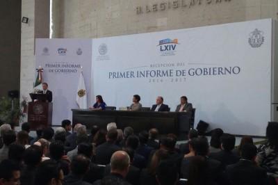 Entrega Yunes Linares primer informe de gobierno