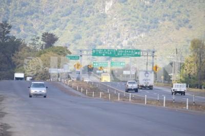 Delincuentes instalan retenes falsos en la autopista a Puebla
