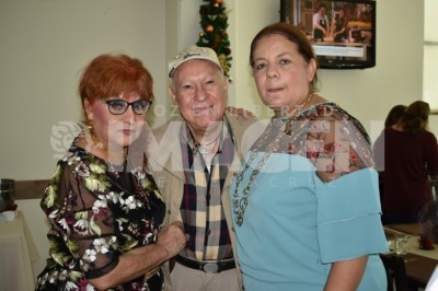 Muchas felicidades :Celebran cumpleaños a Antonio Bayona