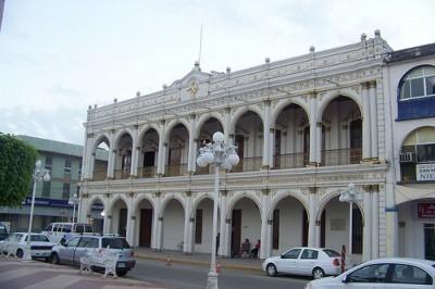 Alcaldesa de Cosamaloapan pretende dejar deuda de 54 millones de pesos