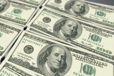 Dólar retrocede; se vende hasta en $19.24 en bancos