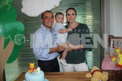 Pastel y piñatas: Mateo Avellá Tavizón cumple un año de feliz existencia