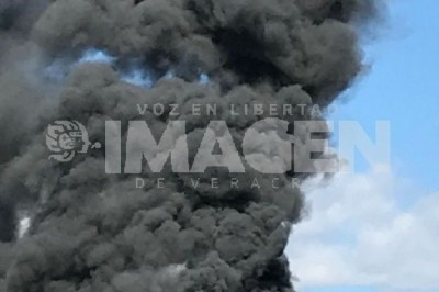 Autobús se incendia en la carretera federal Xalapa-Veracruz