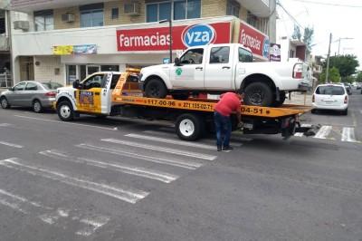 Fuerzas policiales aseguran camioneta con reporte de robo