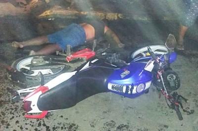 Muere motociclista al chocar contra poste de luz en Lerdo de Tejada