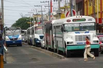 No contemplan transportistas subir tarifas al servicio urbano