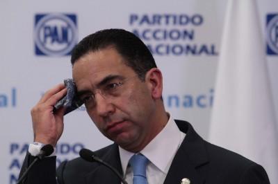 Javier Lozano renuncia al PAN