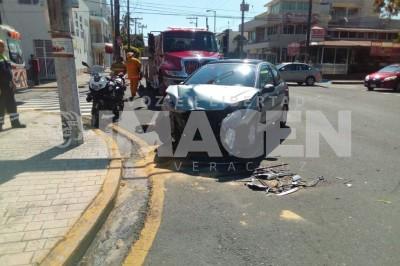 Se registra choque en Fraccionamiento Reforma