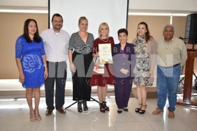 Mujeres :Realiza Sociedad Cultural Baluarte primera sesión del año
