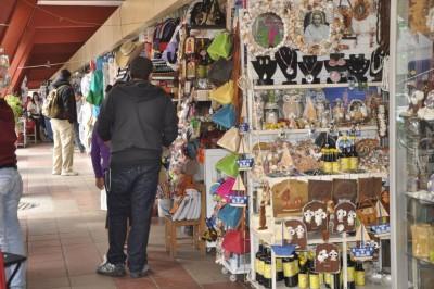 Artesanos esperan repunte de ventas en Carnaval, preocupados por ambulantaje