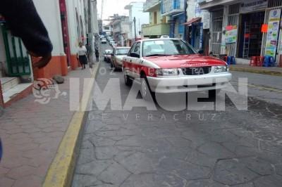Serán reubicados tres sitios de taxis en Papantla