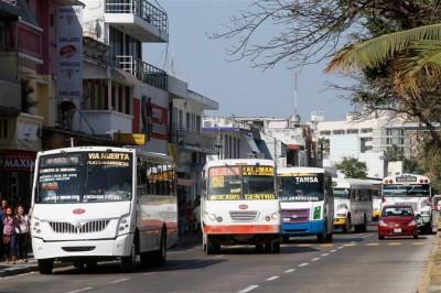 Renuncian conductores de transporte público tras requisito de antidoping