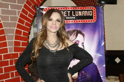 Lucía Méndez festeja por partida doble