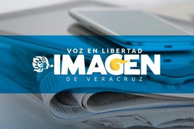 Trabajadores del SETSUV realizan plantón en el zócalo de Veracruz